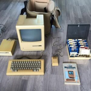 1 Apple M0001 WP 512K - Macintosh - With Original Apple Bag